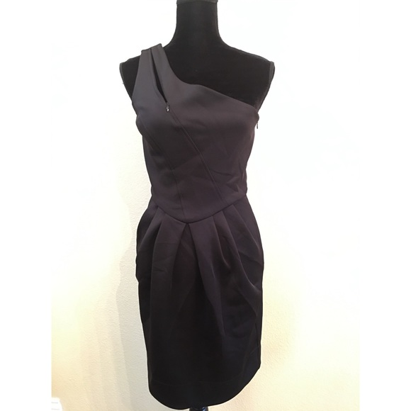 Guess Dresses & Skirts - Guess One shoulder Little black dress size 7 new